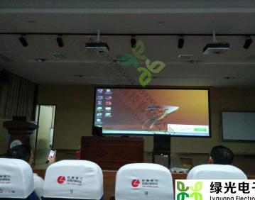 河南新乡第一实验中学,两通道卡西欧激光拼接,河南投影机融